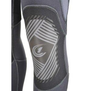 Усиленные колени гидрокостюма